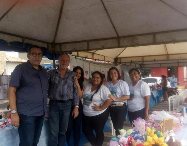 Resultado de imagem para João Câmara: Vereador Renda visita feirinha de artesanato no centro da cidade